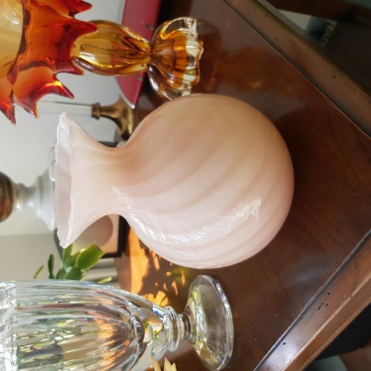 Schöne Kugelvase - roséfarben - gespreift