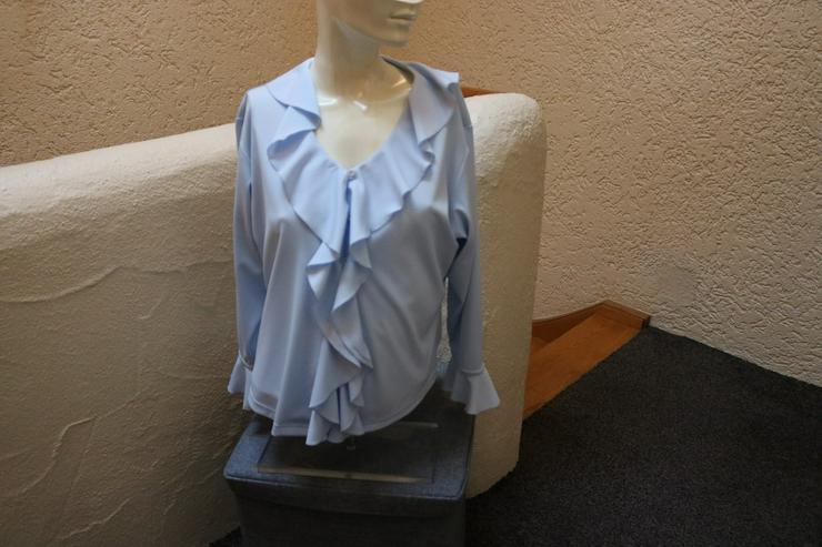 Bluse, Gr. 40, hellblau