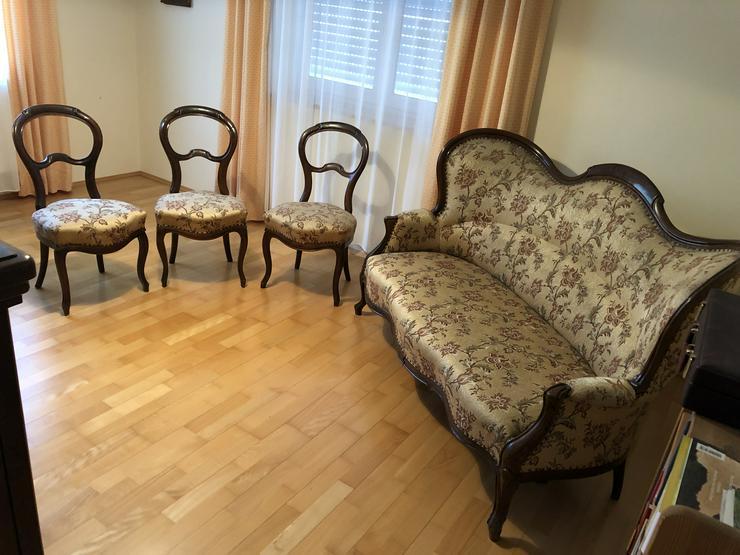 Antikes Sofa und 3 Stühle