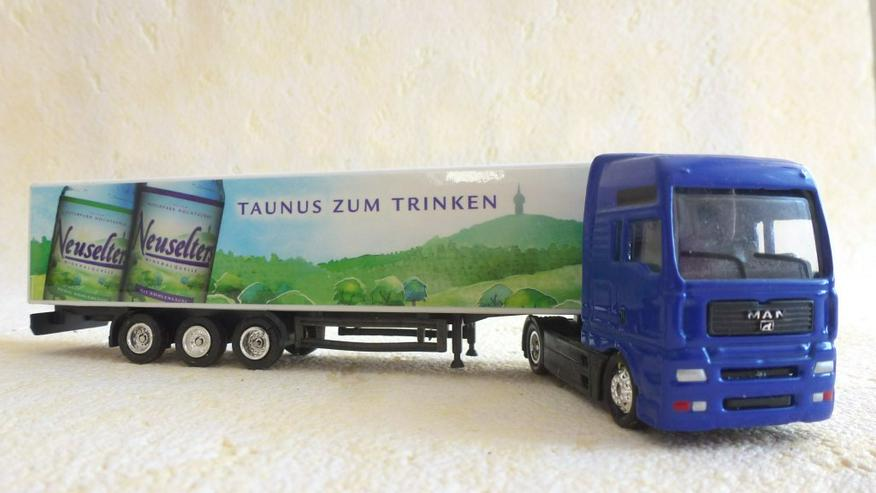 """Bild 2: Sattelzug Aufdruck """"Neuselters Taunus Wasser"""""""