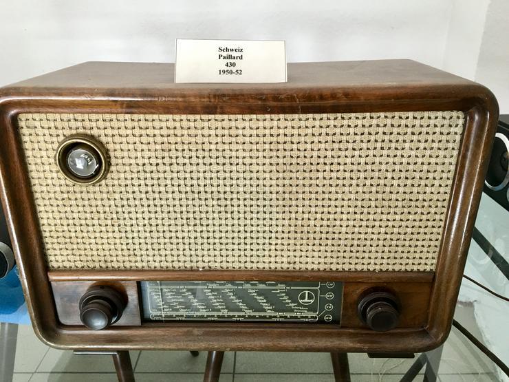 Bild 4: Röhrenradio Konvolut