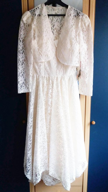 Kleid attraktiv für eine Frau - Größen 40-42 / M - Bild 1