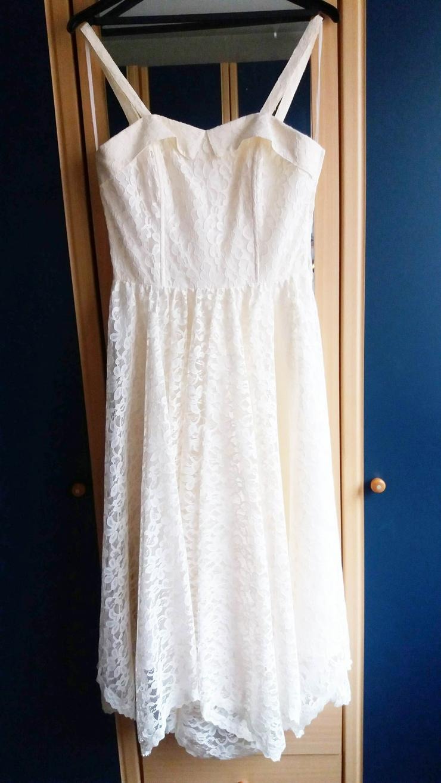 Bild 2: Kleid attraktiv für eine Frau