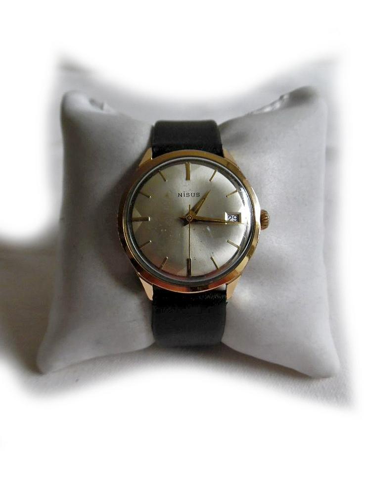 Elegante Armbanduhr von Nisus