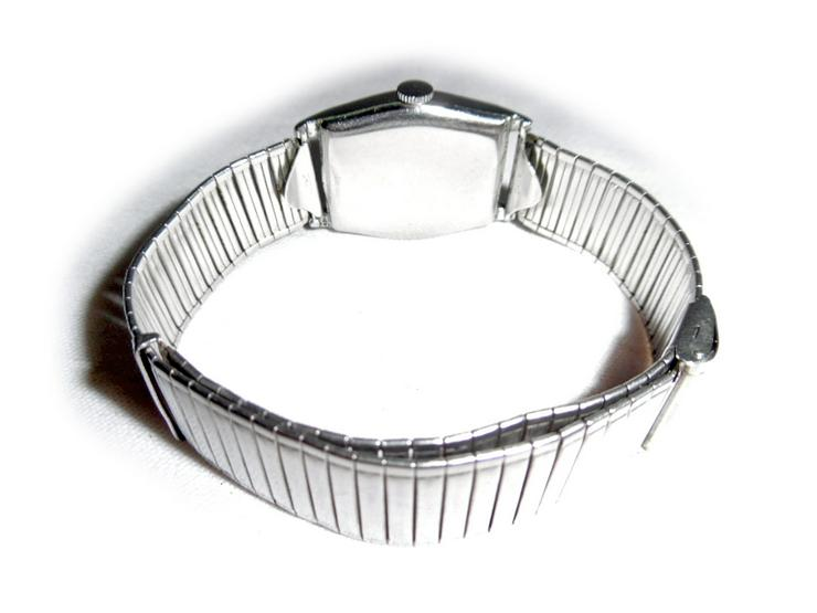 Bild 3: Seltene Armbanduhr von Bifora Anker
