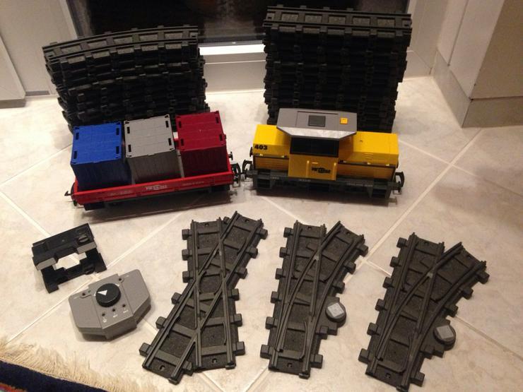 Playmobil Eisenbahn RC Train Güterzug 5258 mit Licht + Sound