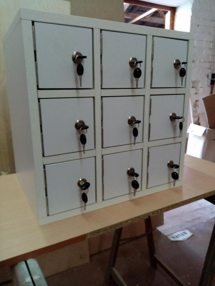 Bild 3: Tischler bietet individuellen Möbel und Schrankbau