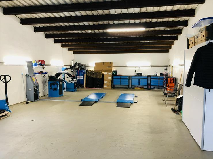 Bild 4: Stellplätze / Garagen