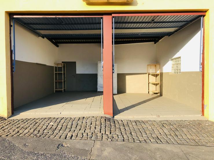 Bild 2: Stellplätze / Garagen