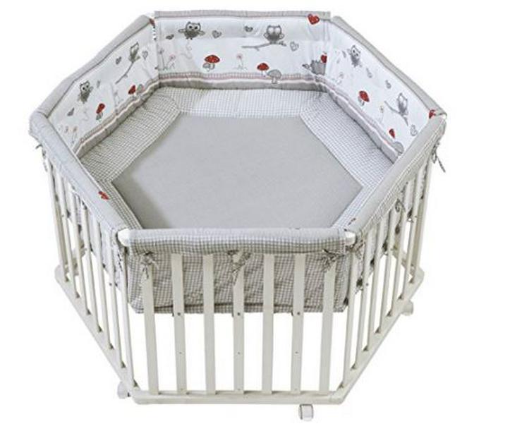 Laufgitter 'Adam & Eule', Laufstall 6-eckig, sicheres Spielgitter inkl. Schutzeinlage & Rollen, Baby Krabbelgitter, Holz weiß