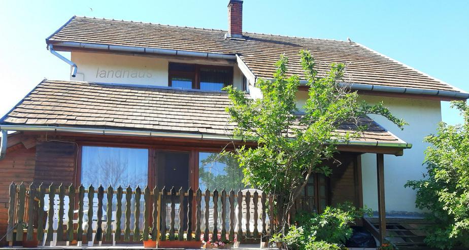 Haus in der Nähe von Győr mit Storchneste und Klavier!