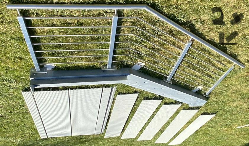 Treppeneingang massiv aus VA Stahl neu