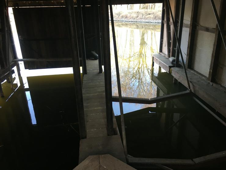 Bild 4: Bootshaus mit 2 Stellplätzen und zwei Hebeanlagen in OHV