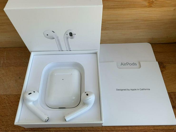 Bild 5: Original Apple AirPods 2. Generation mit kabellosem Ladecase