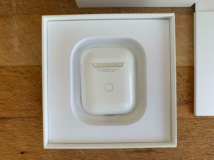 Bild 3: Original Apple AirPods 2. Generation mit kabellosem Ladecase