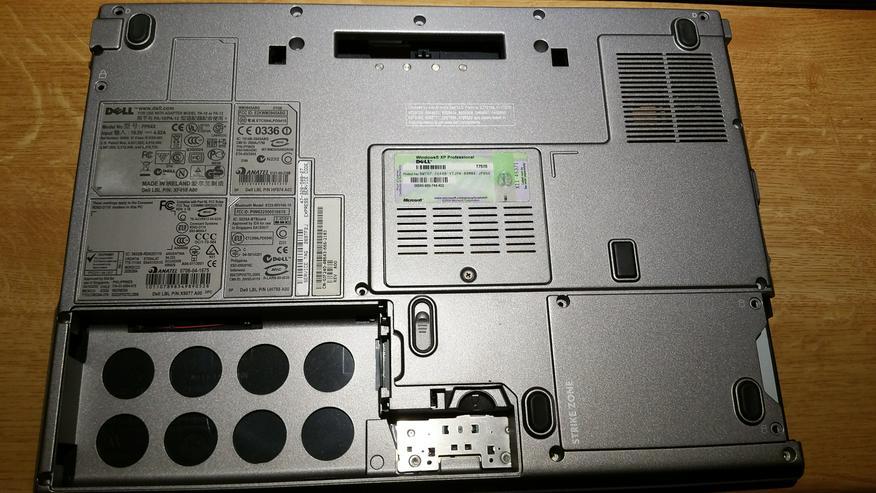 Bild 2: Original Gehäuse Dell Latitude D820 D830