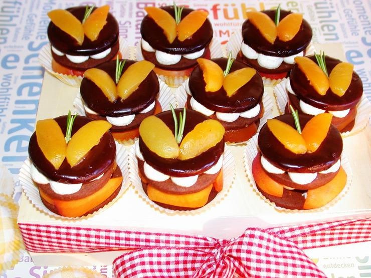 """Bild 6: Neuerscheinung: Rückbesinnung auf die gute alte Bäckerhandwerkskunst"""" Backen in den 60er Jahren"""
