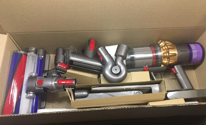 Dyson V11 Absolute Gold