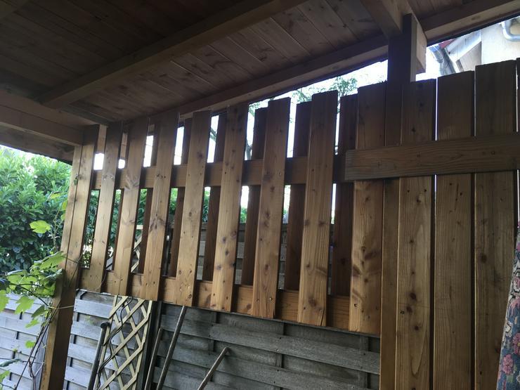 Holz von einer Terrassenüberdachung zum Verschenken
