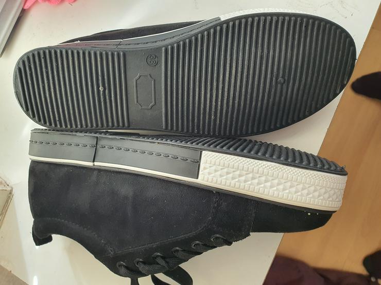 Schicke neue Schuhe