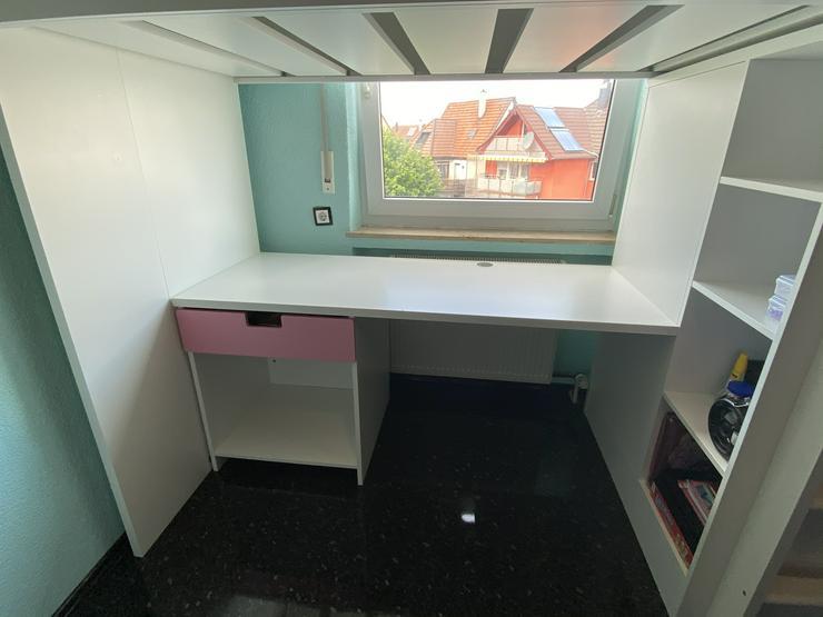 Super Hochbett mit Regal Schreibtisch kleinen Schrank