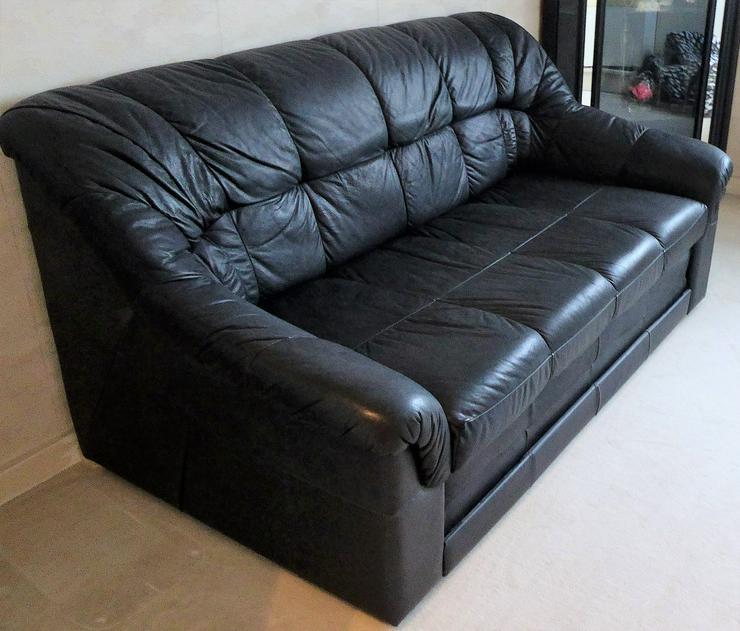 Schwarzes Ledersofa mit Lattenrost und Schlaffunktion, 150 cm breit