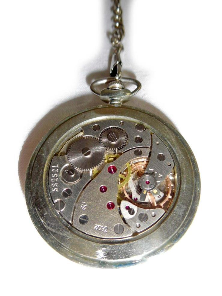 Bild 4: Schöne Taschenuhr von Molnija