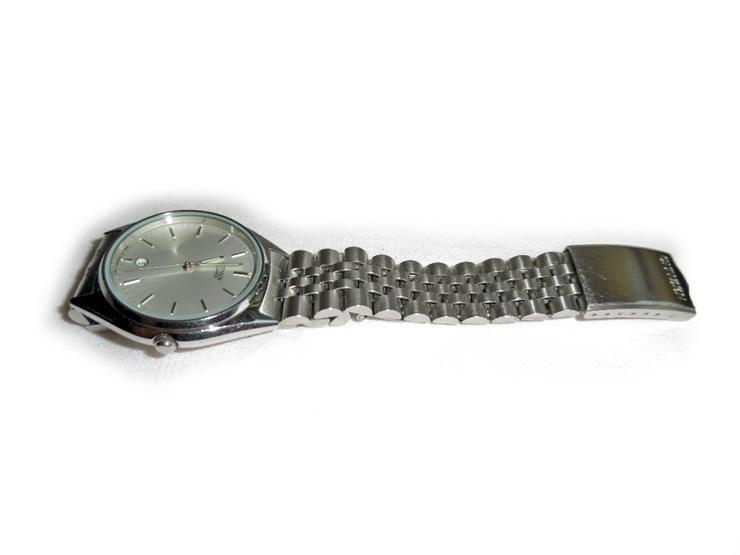 Bild 2: Armbanduhr von Citizen