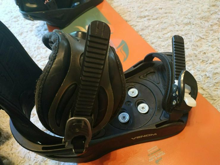 Bild 4:  Snowboard mit Venom Bindungen Inkl.Versand