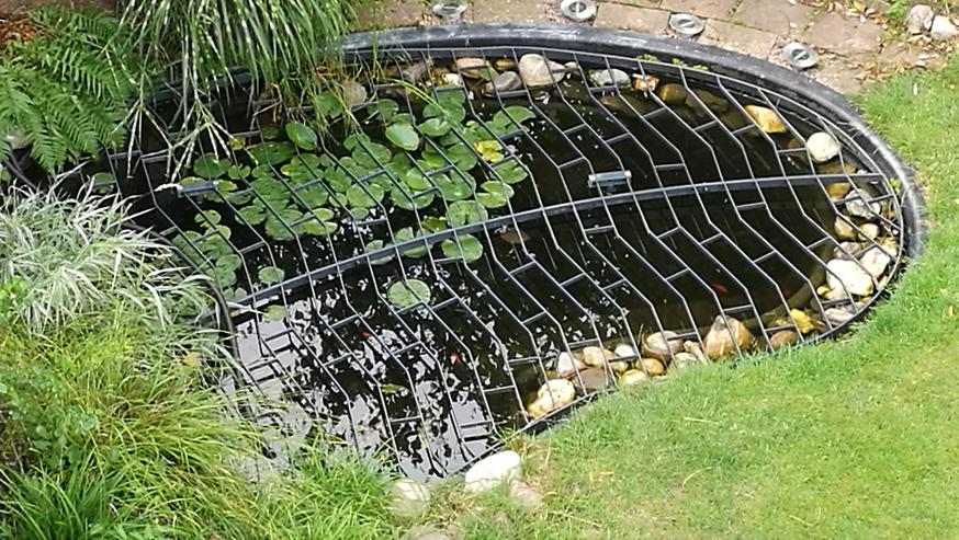Gartenteich inkl Pumpe/Filter U Teichgitter