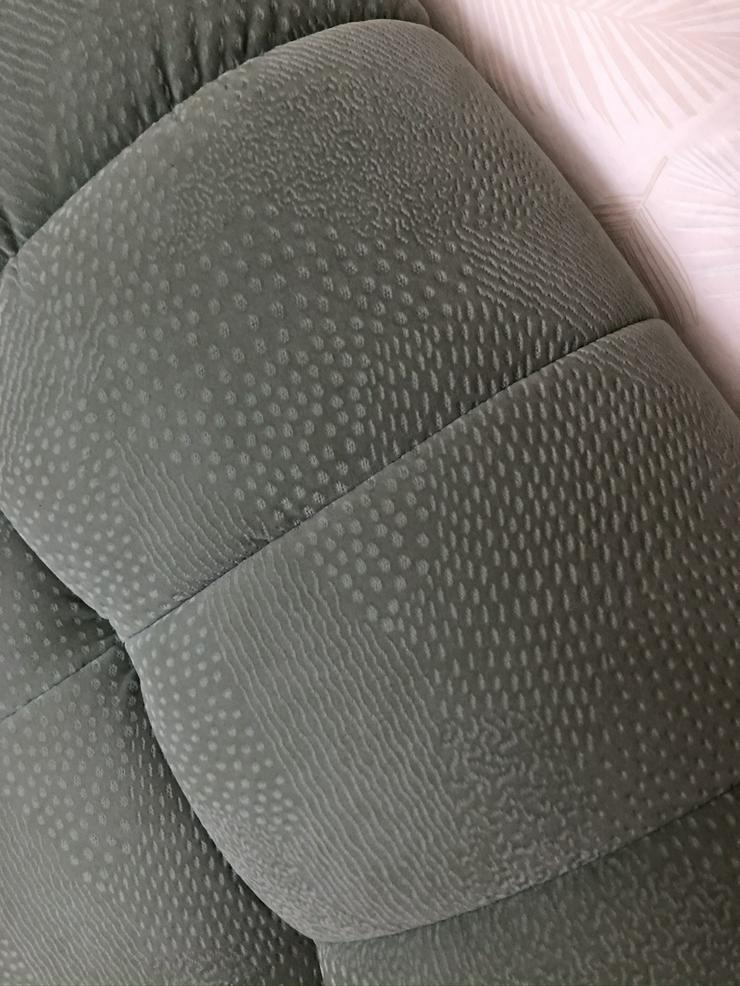 Bild 5: Sitzgruppe mit Sofa , 2 Sessel und einem Hocker