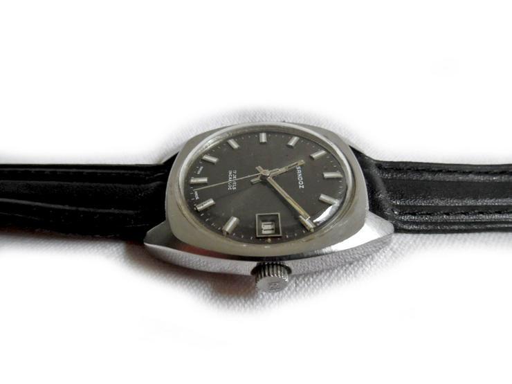 Bild 3: Seltene Armbanduhr von Sandoz