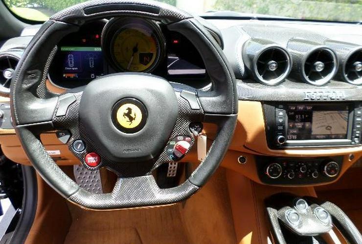 Bild 2: Ferrari FF wieder aufgebaut