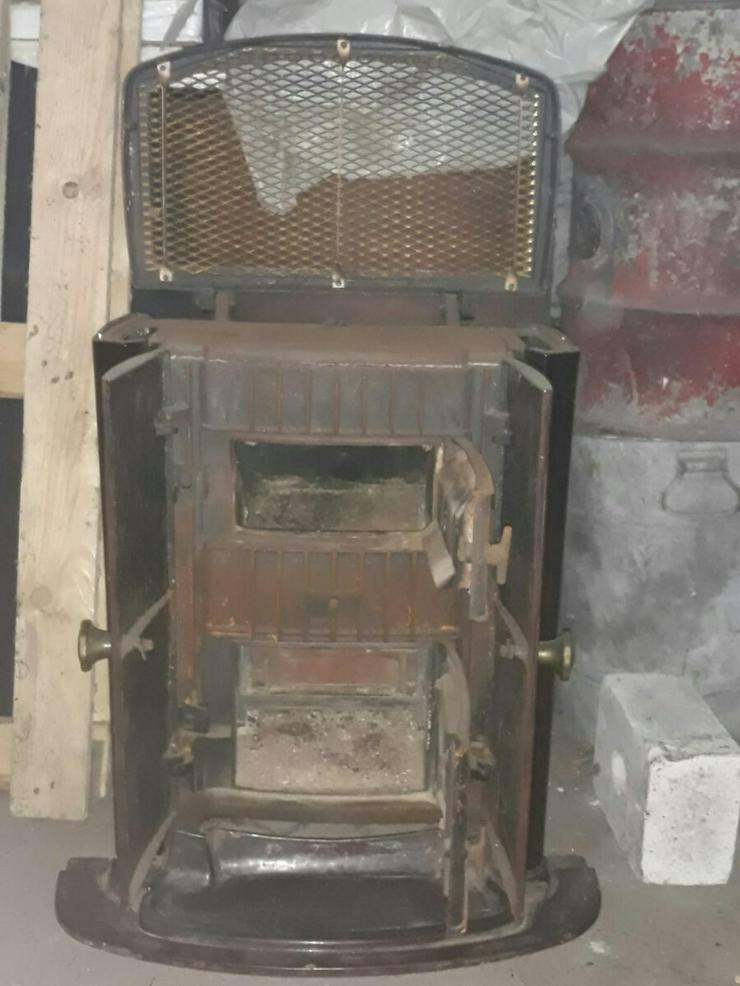 Bild 4: Alter Kohle - Kachelofen