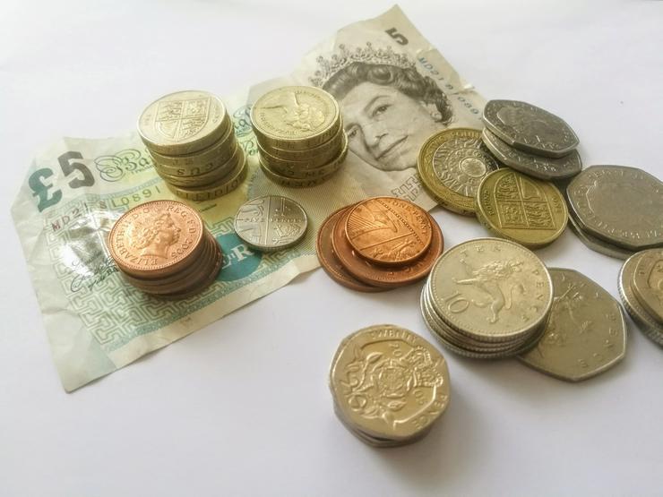 Brit. Pfund, Schwed. Kronen & CH-Franken