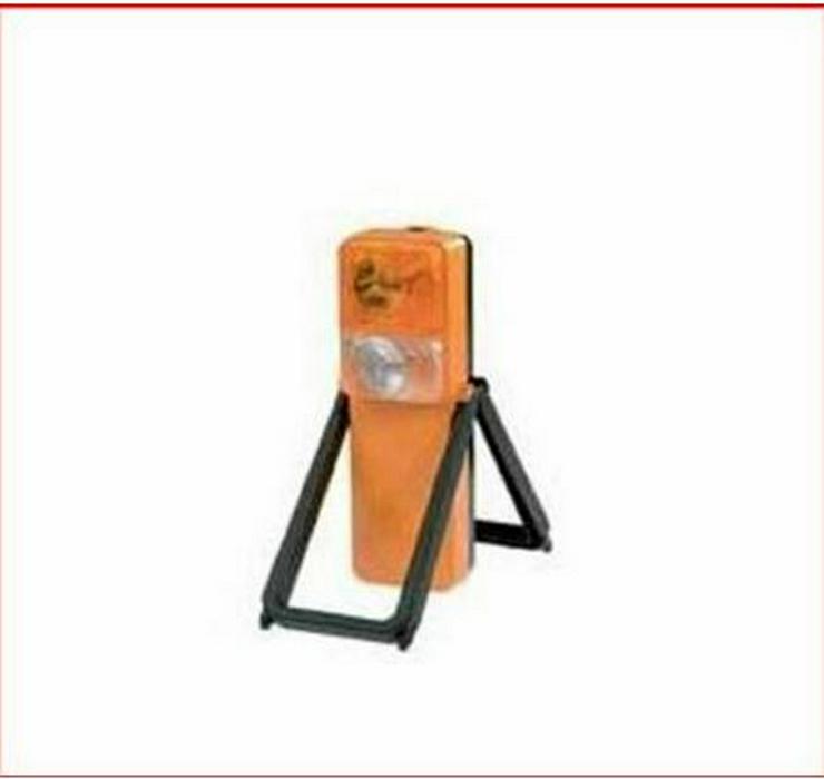 Bild 4: Gefahrgutkoffer nach GGVSE/ADR mit 2 Gefahrguttafeln, 2 Warnblink Leuchten, neu