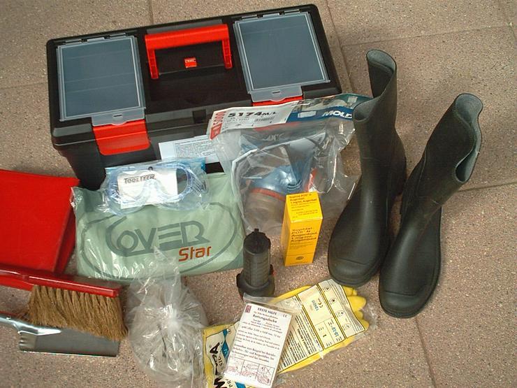 Gefahrgutkoffer nach GGVSE/ADR mit 2 Gefahrguttafeln, 2 Warnblink Leuchten, neu