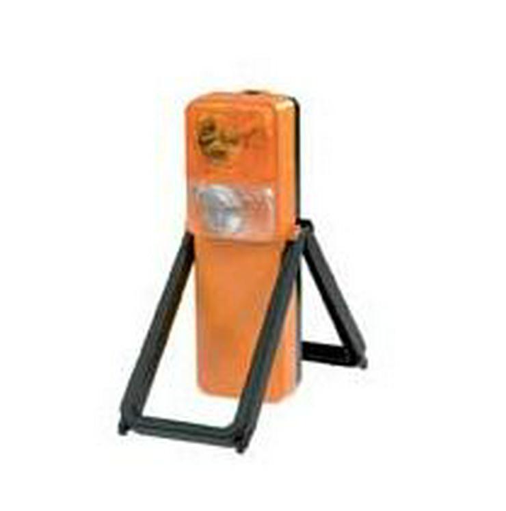 Bild 3: Gefahrgutkoffer nach GGVSE/ADR mit 2 Gefahrguttafeln, 2 Warnblink Leuchten, neu