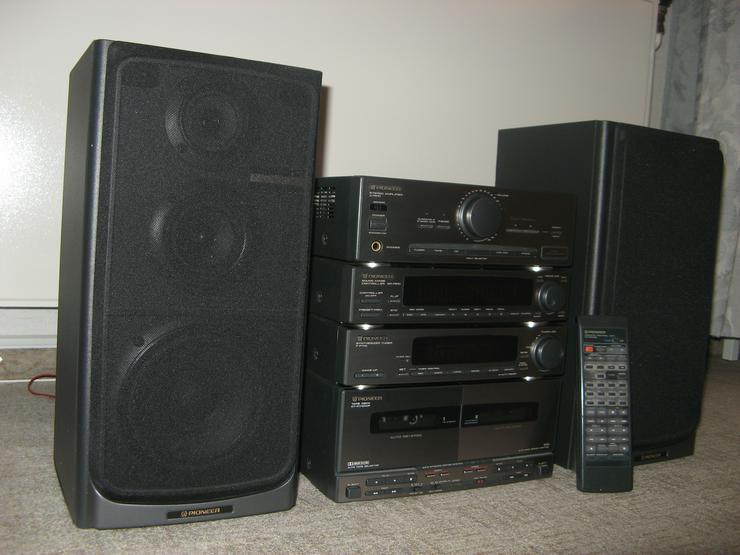 PIONEER-Hi-Fi-Kompakt-Anlage incl. Doppelkassendeck und Boxen