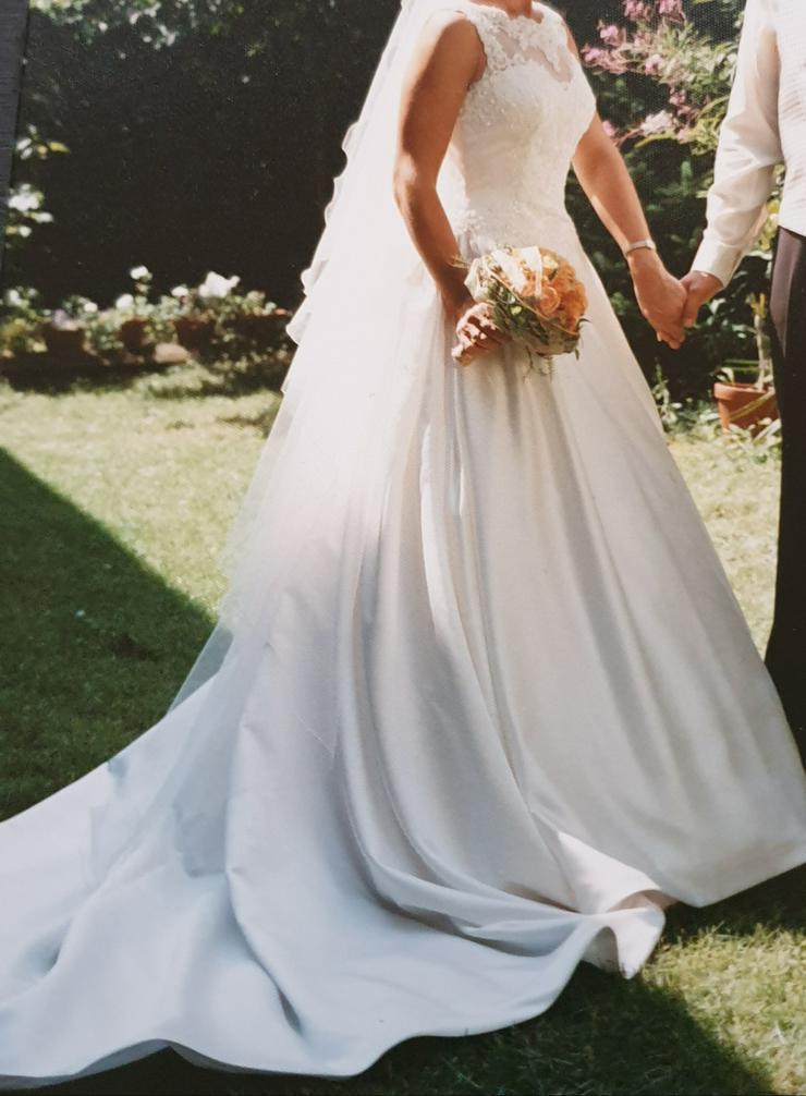 Bild 3: Brautkleid 34/36, Farbe: champagner, Marke St. Patrick, sehr gut erhalten