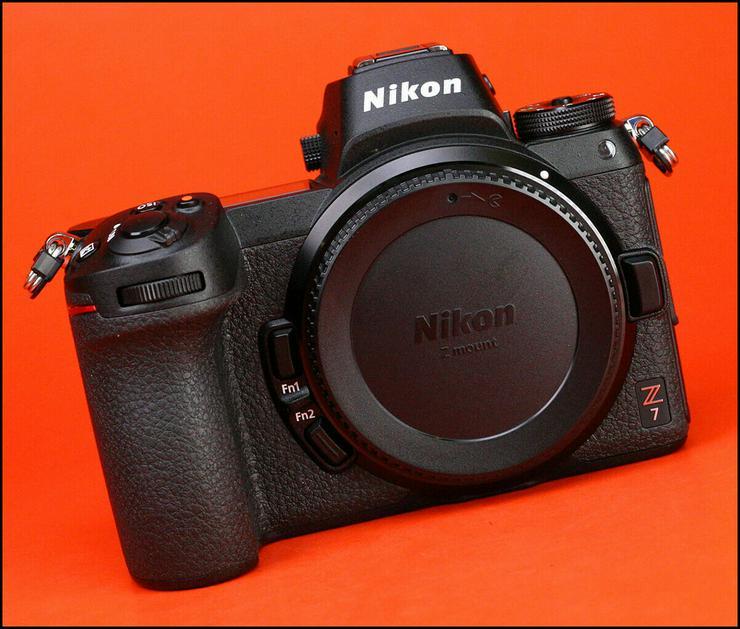 Bild 3: Die Nikon Z7 kompaktiert das Vollformat-Kameragehäuse + Akku / Ladegerät und 1116-Schuss-Box