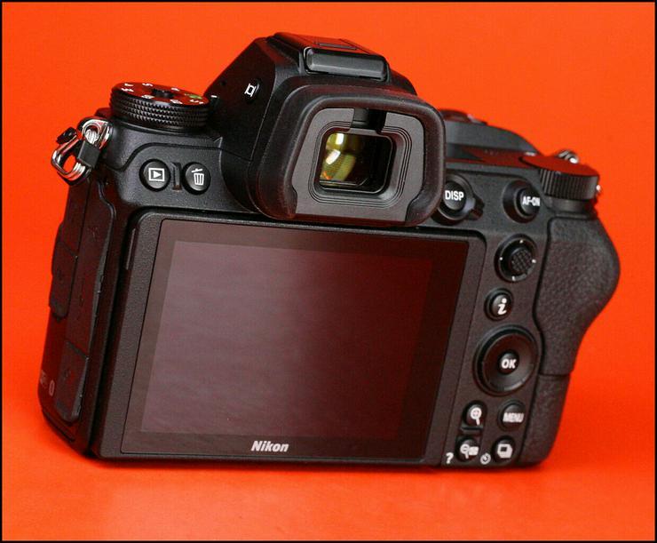 Bild 2: Die Nikon Z7 kompaktiert das Vollformat-Kameragehäuse + Akku / Ladegerät und 1116-Schuss-Box