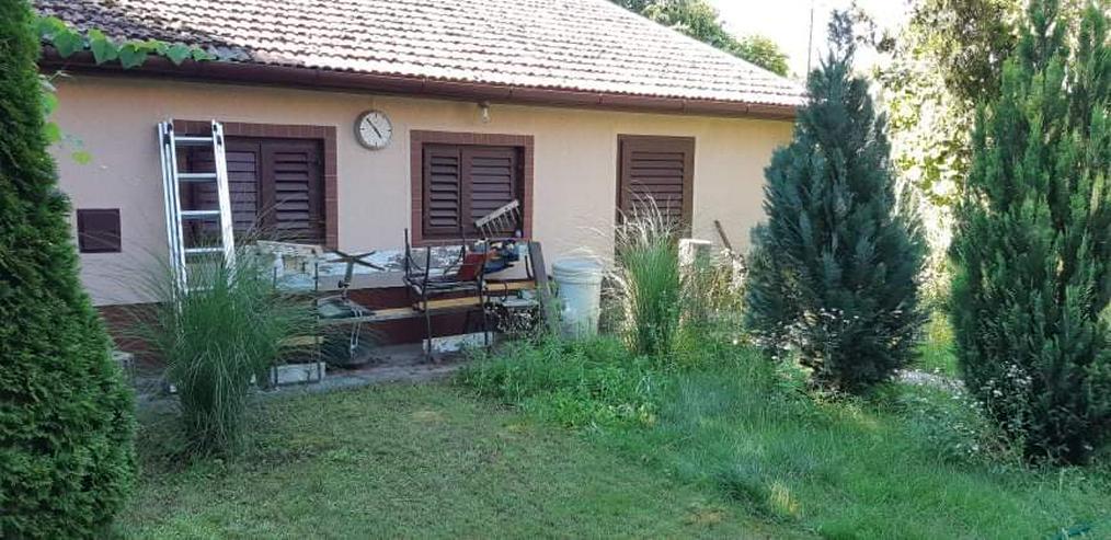 Bauernhaus mit Nebengebäude in Ungarn