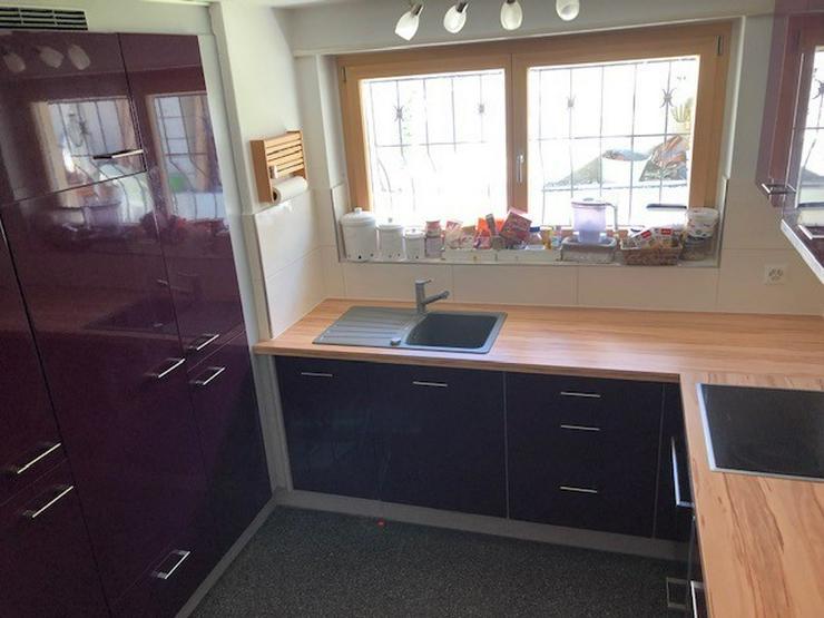 Moderne und neuwertige Küche mit allen Geräten zu verkaufen