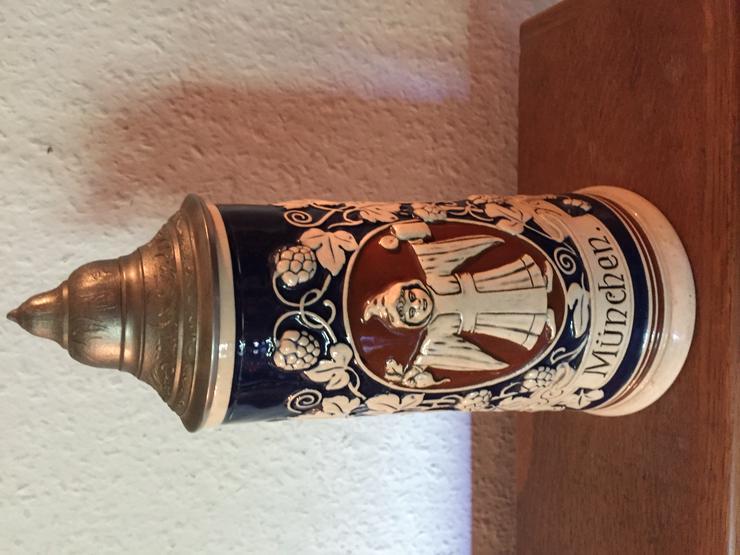Bild 2: Alter Bierkrug mit Zinndeckel - München