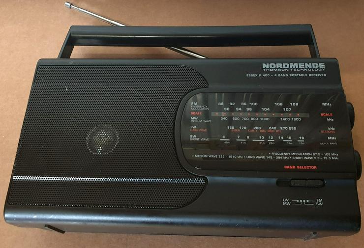 Sammler Radio Nordmende Essex K400 Batteriebetrieb + 230V Kabel