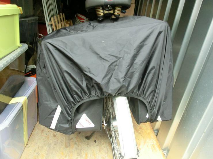 Bild 4: Gepäckträgertasche mit Aufsetz-Koffer von Haberland