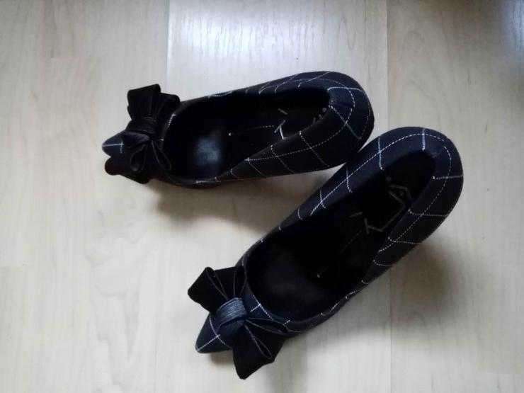 Bild 3: High heels hohe Schuhe