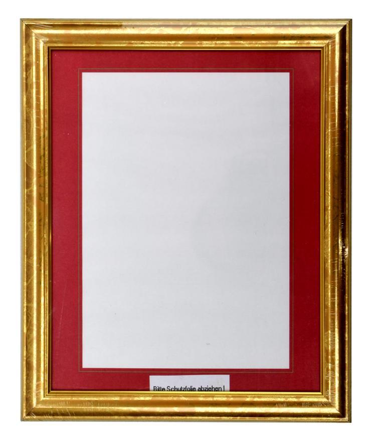 Bild 3: Bilderrahmen aus Kunststoff in Goldoptik 332 x 402 mm mit Plexiglasscheibe