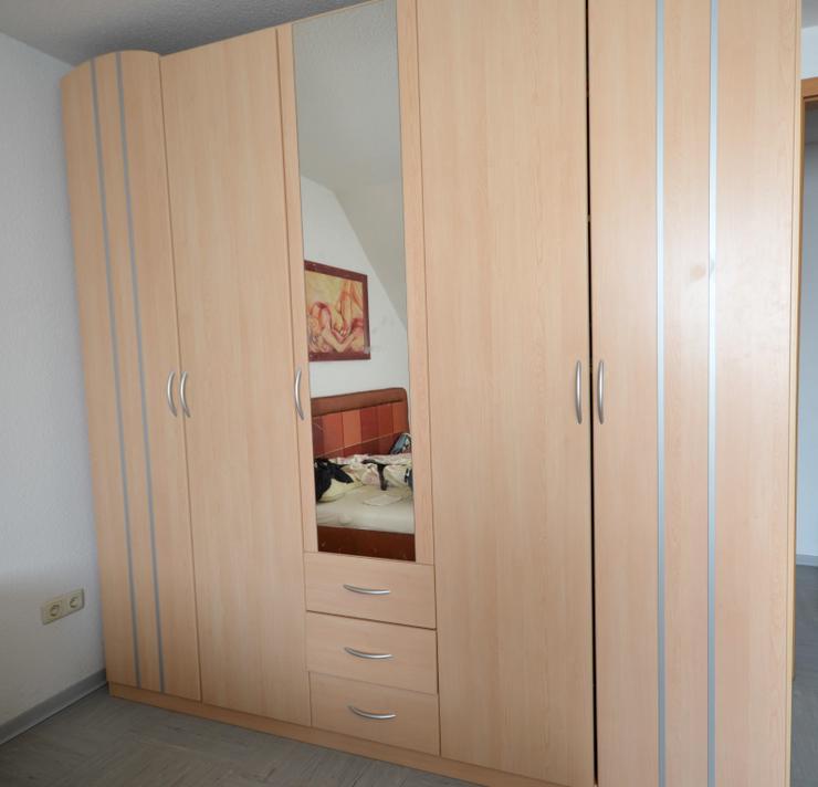 Bild 3: Schlafzimmerschrank - Kleiderschrank